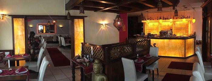 Papadam Indisches Restaurant is one of George'nin Kaydettiği Mekanlar.