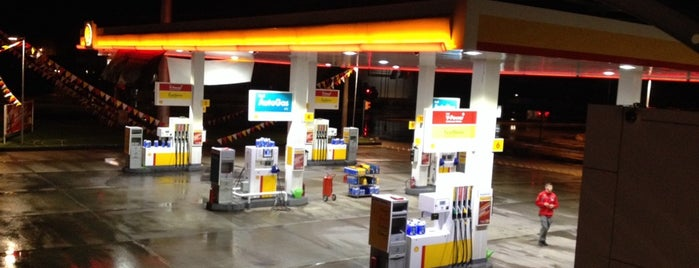 Shell is one of Akın's Liked Places.