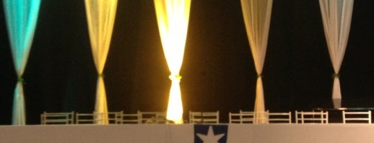 UCS Teatro is one of Orte, die Manu gefallen.