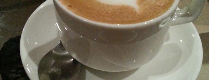 Aki Café is one of สถานที่ที่บันทึกไว้ของ Karla.