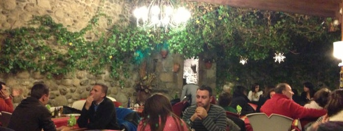 El Pati de la Tieta is one of Restaurantes de la Cerdanya.
