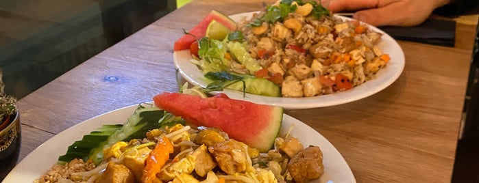 Thai Street Food is one of Sallaさんの保存済みスポット.