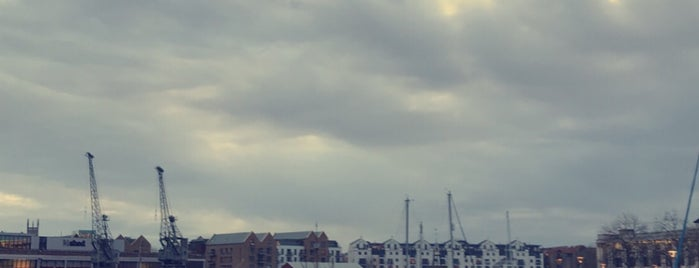 Harbourside Walk is one of Mike : понравившиеся места.