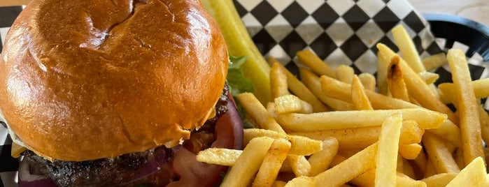 """Cali """"O"""" Burgers is one of Hillcrest."""