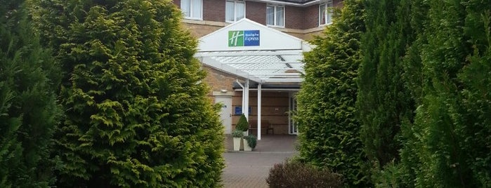 Holiday Inn Express Stirling is one of Posti che sono piaciuti a Carl.