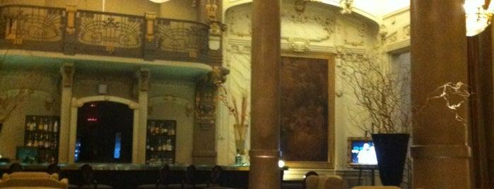Hotel Savoy is one of Sabrosa BA '13 por Raquel Rosemberg.