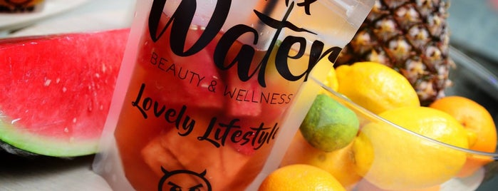 aLIVE d-tox Water is one of Lugares guardados de Travelsbymary.