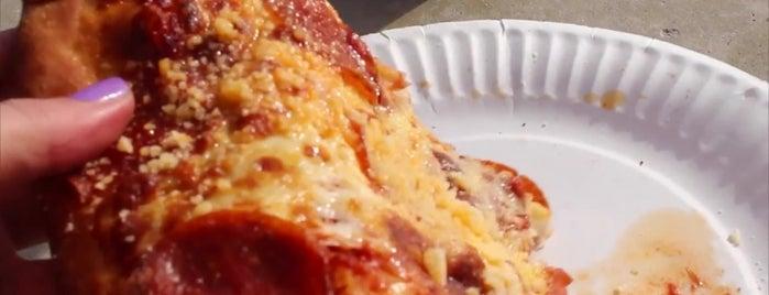 Cassano's Pizza is one of Posti che sono piaciuti a Stephanie.