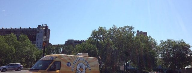 St-Viateur Bagel & Café is one of The City's Top Food Trucks.