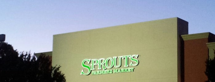 Sprouts Farmers Market is one of Posti che sono piaciuti a Jay.