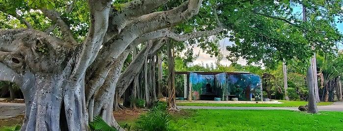 Crandon Park is one of Miami.