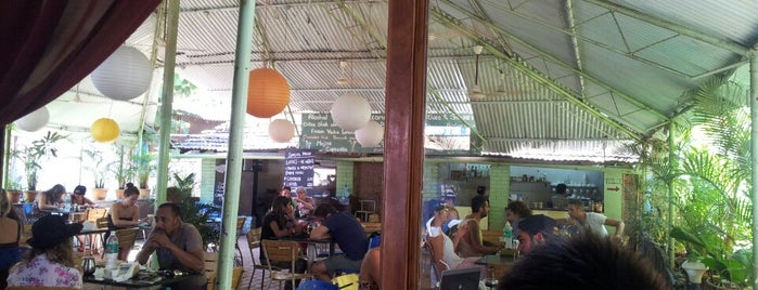 Cafe Inn is one of Vivekさんの保存済みスポット.