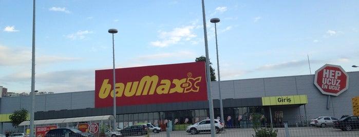 bauMax is one of Orte, die Pınar gefallen.