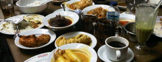 Restoran Sederhana Masakan Padang is one of SBY Culinary Spot!.