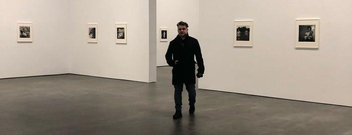 David Zwirner Gallery is one of NYC:EAT,SHOP,DAZE.