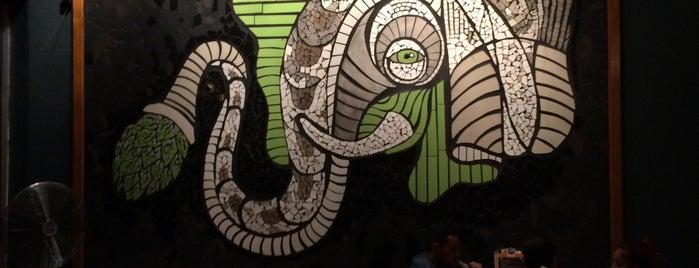 Elefante: Cocina y Cerveza is one of Lugares favoritos de Julio.