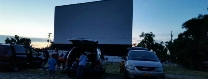 South Dodge Drive In is one of TAKE ME TO THE DRIVE-IN, BABY.