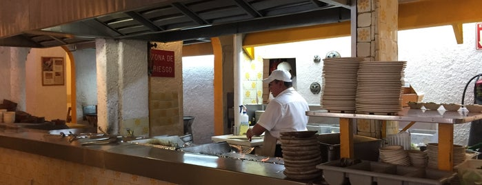 El Rincón de la Lechuza is one of Restaurantes en el DF.