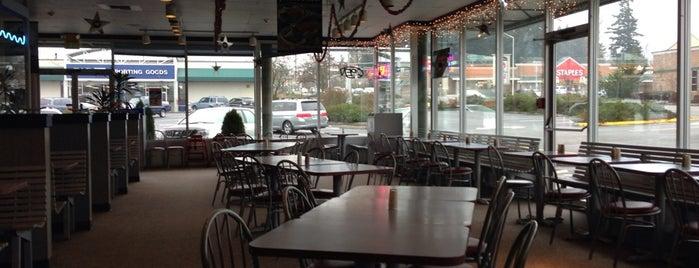 Ivar's Seafood Bar is one of สถานที่ที่ Emily ถูกใจ.