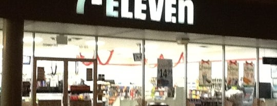 7-Eleven is one of Tempat yang Disukai Anthony.