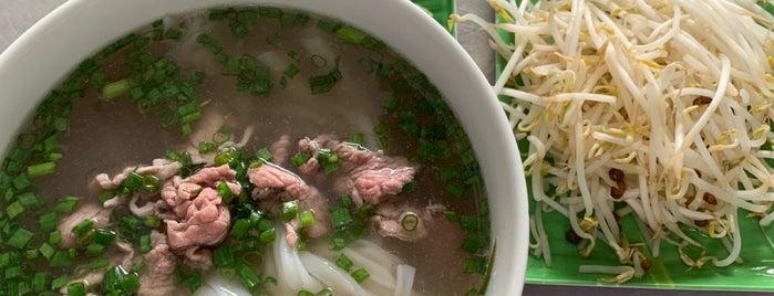 Phở Hồng is one of Нячанг.