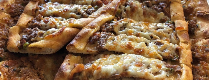 Ersoz Pide Salonu is one of Omur Akkor.