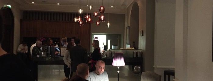 Coda Restaurant is one of Lieux qui ont plu à Henry.