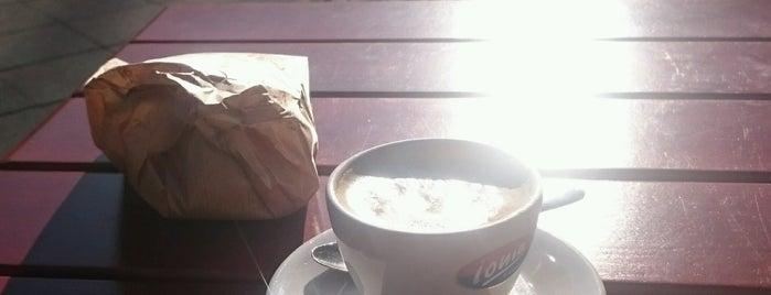 MeDi Back & Coffeeshop is one of Posti che sono piaciuti a Kajo.