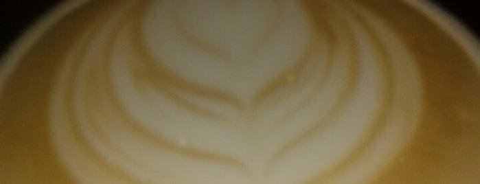 Sweet Bit Café is one of Gespeicherte Orte von Brenda.