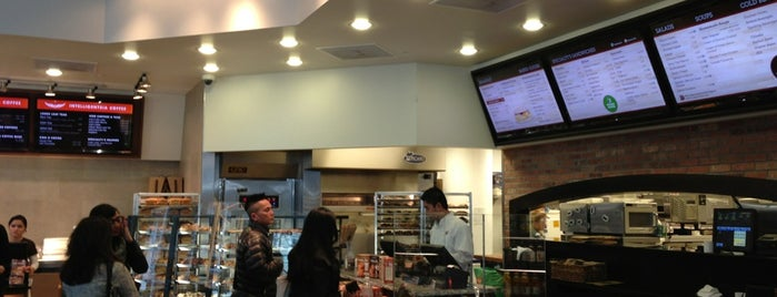 Specialty's Café & Bakery is one of Venues with free Wi-Fi in San Francisco.