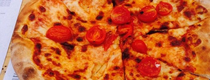 The Pizza Bar is one of Locais curtidos por Selin.