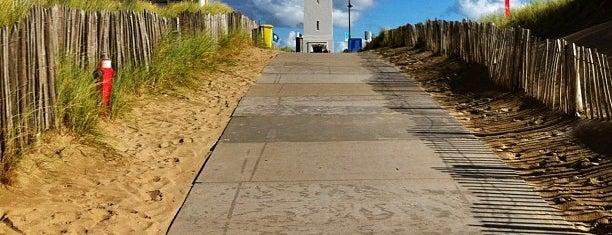 Strand Noordwijk aan Zee is one of Locais curtidos por Carlos Alberto.