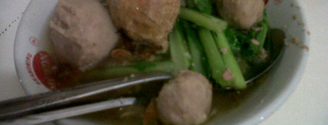 Bakso Mas Dino is one of Arieさんのお気に入りスポット.