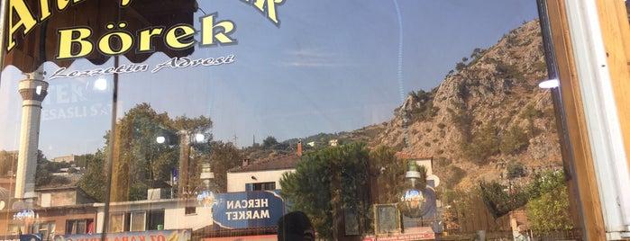 Altınyaprak Börek Salonu Sazlıca is one of Tempat yang Disukai Dr.Gökhan.