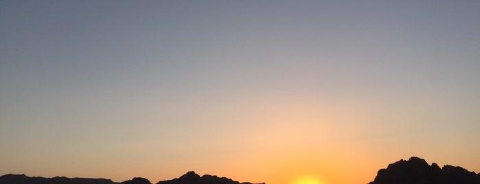 قلب الصحراء وادي رم is one of Locais curtidos por Emilio.