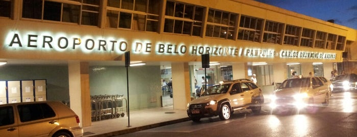 Aeroporto de Belo Horizonte / Pampulha - Carlos Drummond de Andrade (PLU) is one of สถานที่ที่ Adriane ถูกใจ.