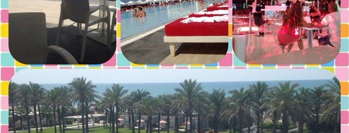 Royal Adam & Eve Hotels is one of Tempat yang Disukai Deniz.