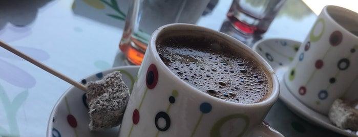 Sokak Cafe is one of Locais curtidos por Aynur.