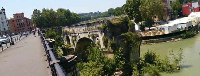 Ponte Palatino is one of Supova in Roma.