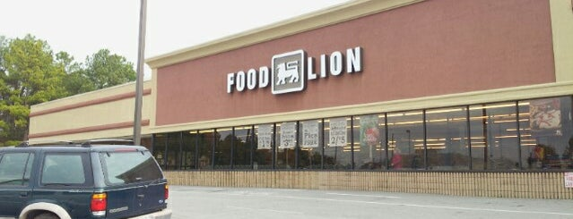 Food Lion Grocery Store is one of Locais curtidos por Ya'akov.