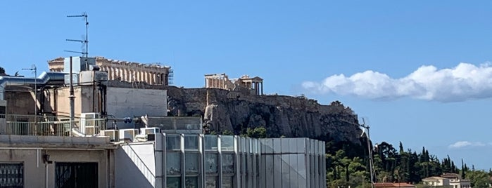 Syntagma is one of Sergio M. 🇲🇽🇧🇷🇱🇷さんのお気に入りスポット.