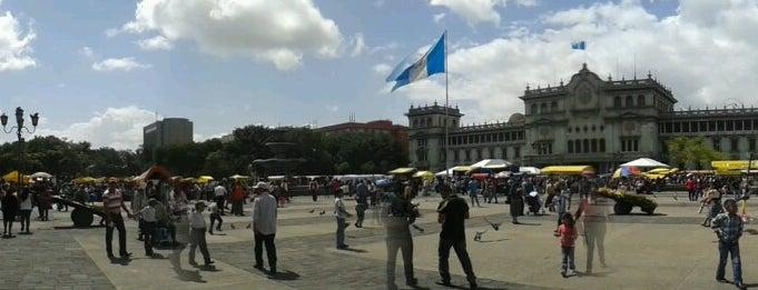 Plaza de la Constitución is one of Lo Mejor de Guatemala.