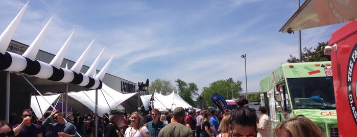Lagunitas Beer Circus is one of Chicagoland.