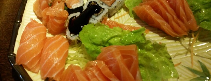 Okayama Sushi is one of Locais curtidos por Fabiana.
