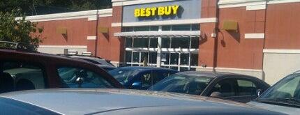 Best Buy is one of Tempat yang Disukai R.