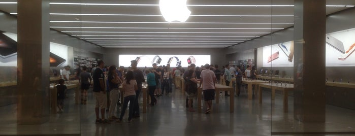 Apple Morumbi is one of Locais curtidos por Cledson #timbetalab SDV.