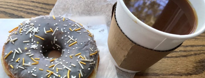 Dottie's Donuts is one of Kitさんの保存済みスポット.