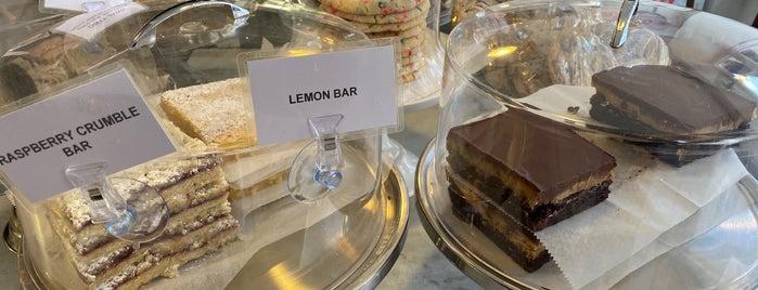 Sweet Box Bake Shop is one of Andrew 님이 좋아한 장소.