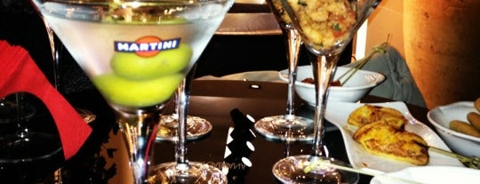 Dolce & Gabbana Martini Bar is one of Lugares favoritos de Maria Thereza.