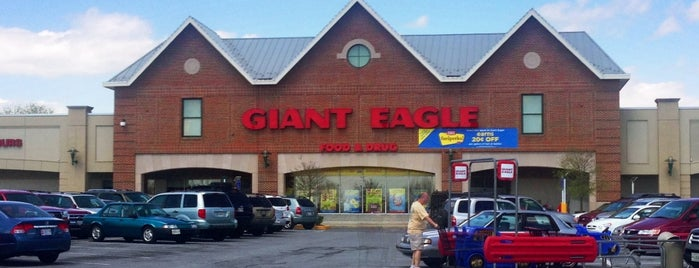 Giant Eagle Supermarket is one of Senittaさんのお気に入りスポット.